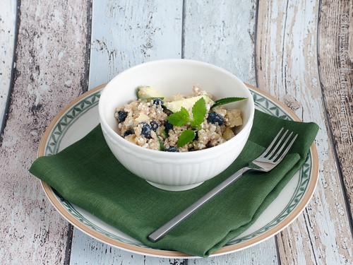 Quinoa-Salat mit Blaubeeren (1)