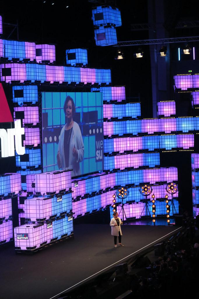 Lisa Jackson Apple Lisa Jackson Vice President At Apple Flickr