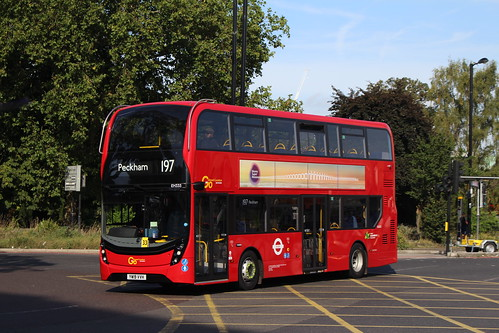 Metrobus EH335 on Route 197, Croydon Fairfield Halls