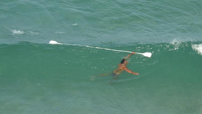 Спасатель под водой