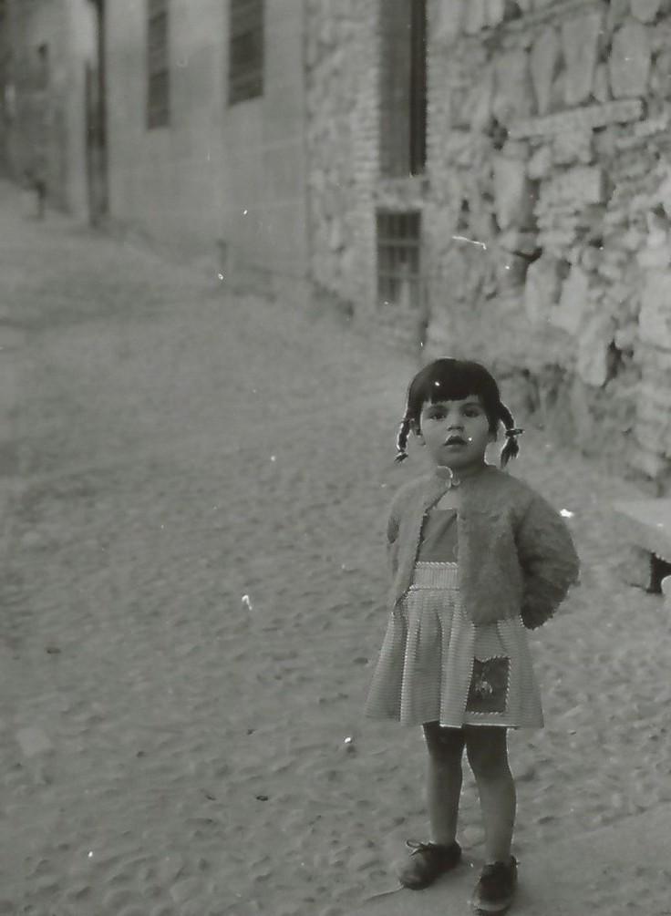Una niña de Toledo en 1964. Fotografía de Anno Wilms © Stiftung Anno Wilms, Berlin