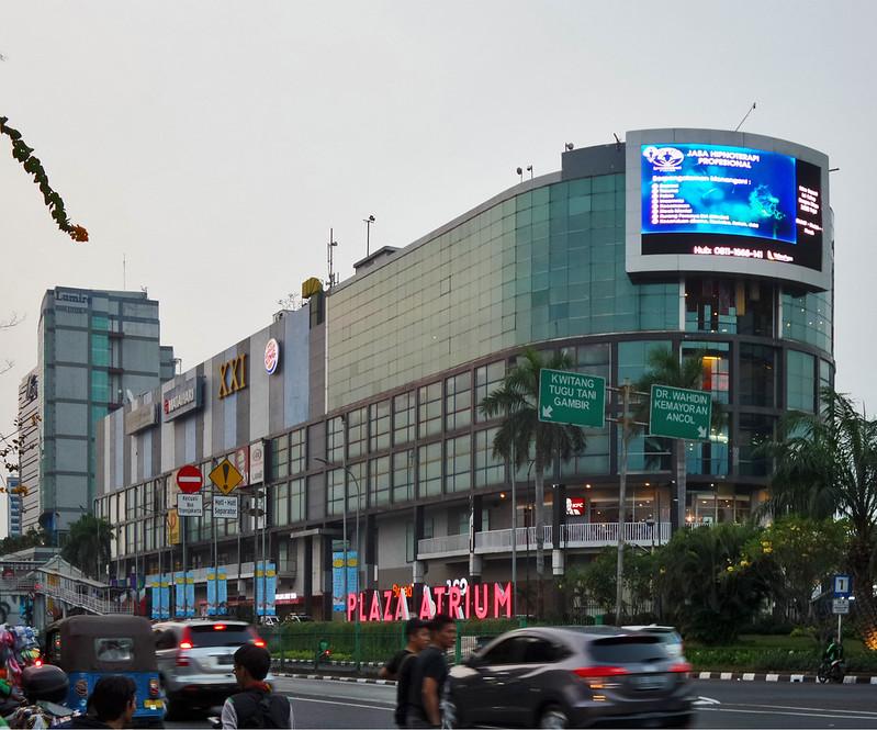 Mall Plaza Atrium Senen