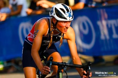 Kuříková vybojovala 35. příčku ve finále seriálu MS v olympijském triatlonu
