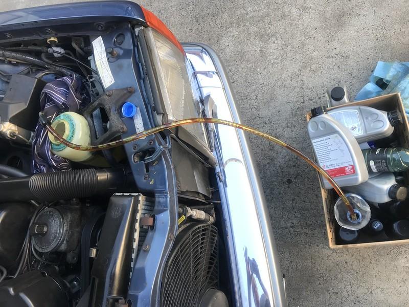 560SEC self-leveling rear suspension flush