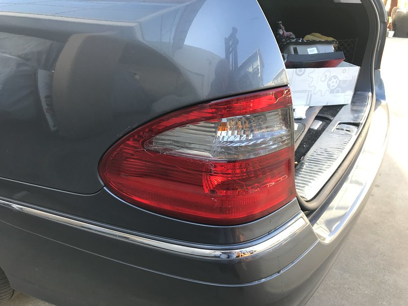S211 Tail light replacement