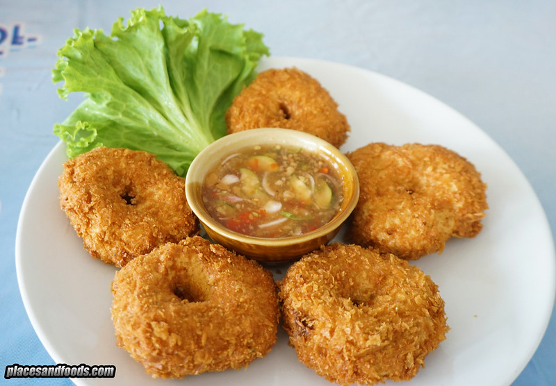 gop pochana fried prawn cake