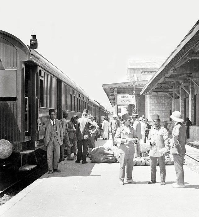 Jerusalem-RW-station-1920-ifa-1