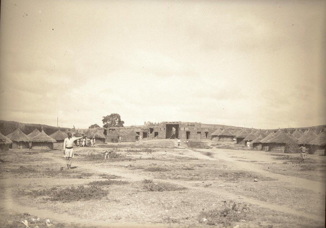 277. Абиссиния, провинция Харар, г. Харар. Внутренний вид Цитадели