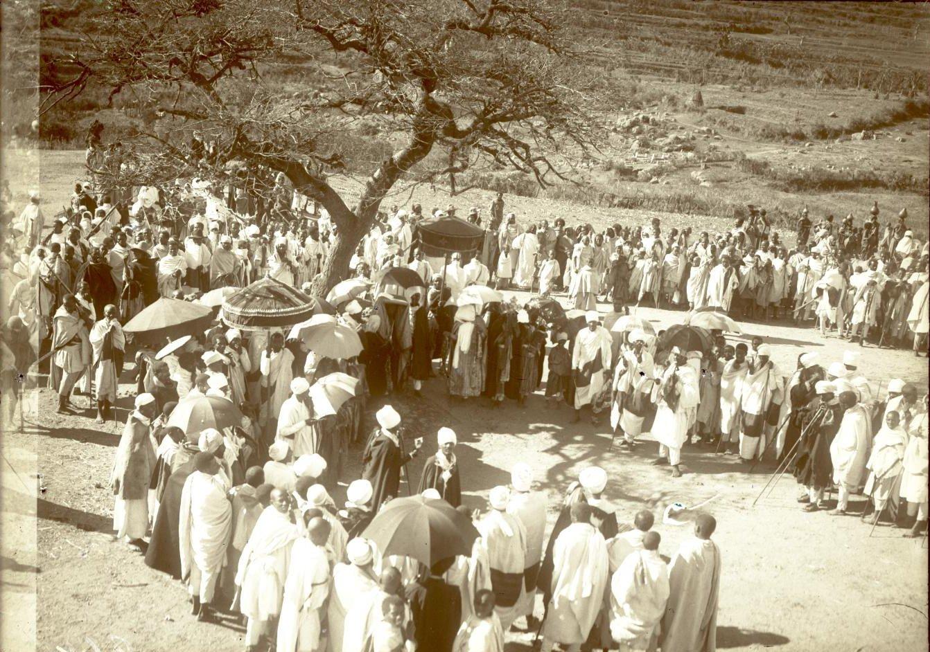 264. Абиссиния, провинция Харар, г. Харар. Крестный ход