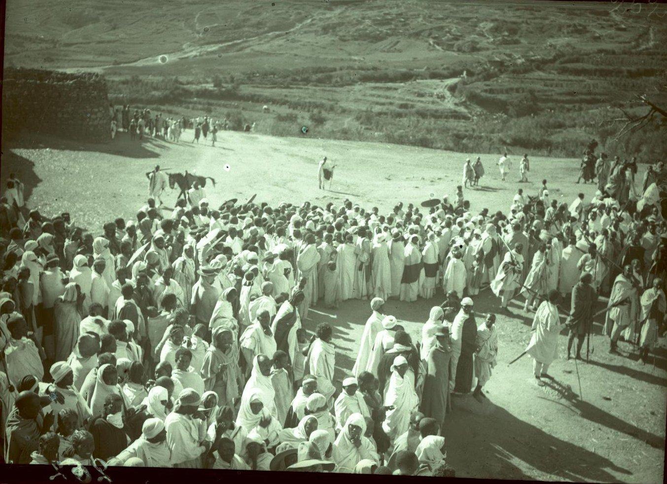 262. Абиссиния, провинция Харар, г. Харар. Крестный ход
