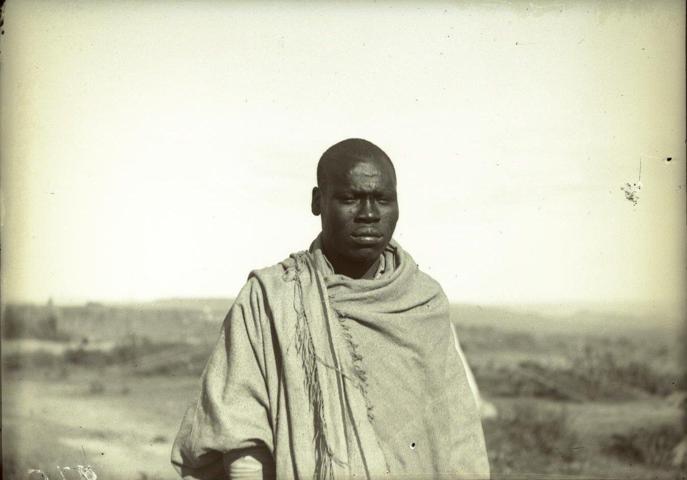 275. Абиссиния, провинция Харар, г. Харар. Тип солдата-шанкала