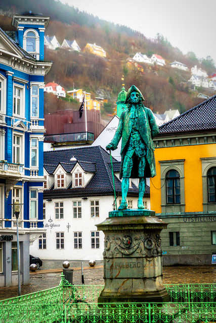 Statue of Ludvig Holberg in Bergen, Norway-21a