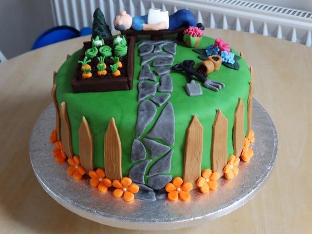 Cake by Little Trouble Baker