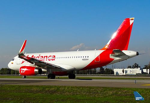 Avianca A319 N690AV taxiout SCL(RD)