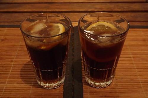 2 Gläser Captain Cola