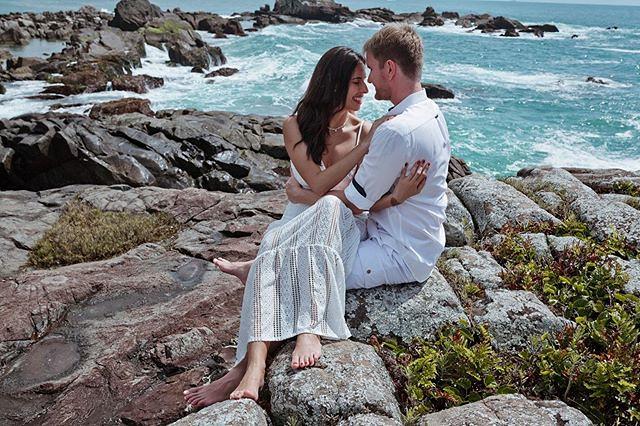 Ensaios fotográficos na Ilha da magia, românticos e lindos como têm que ser ⠀ ⠀ ⠀ www.francisdiogenes.com.br⠀ Facebook/Instagram @francisphotographer⠀ Whatsapp 048984257374⠀ ⠀ #casamentotop #universodasnoivas #tonoiva #noivacriativa #casamentorustico #fot