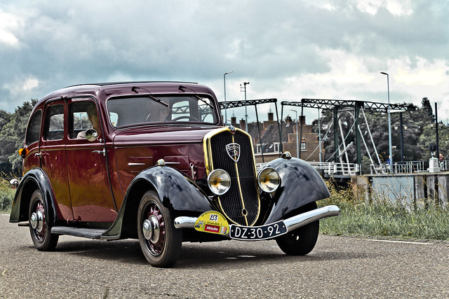 Peugeot 201 M Limousine 1937 (6784)