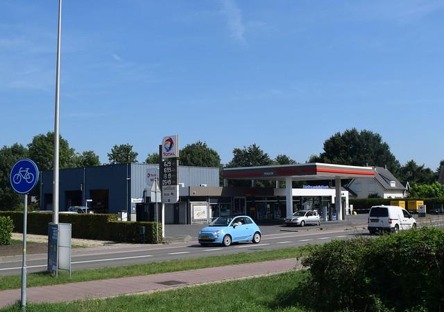 Total tankstation Autobedrijf Poelen, Mook