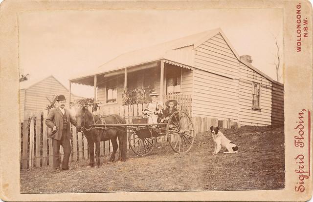 PP368 A Horse n Cart n Family