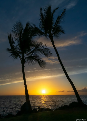 clouds coast hawaii kenmickelphotography landscape maui ocean outdoors seascape seashore sky sunstar wahikuliwaysidepark waterscape nature photography silhouettes sunset water lahaina unitedstatesofamerica