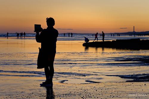 united kingdom uk england east sussex brighton beach golden hour wet sand sea people silhouette split tone panasonic lumix s1r 24105mm f dxo photolab nik hdr efex affinityphoto
