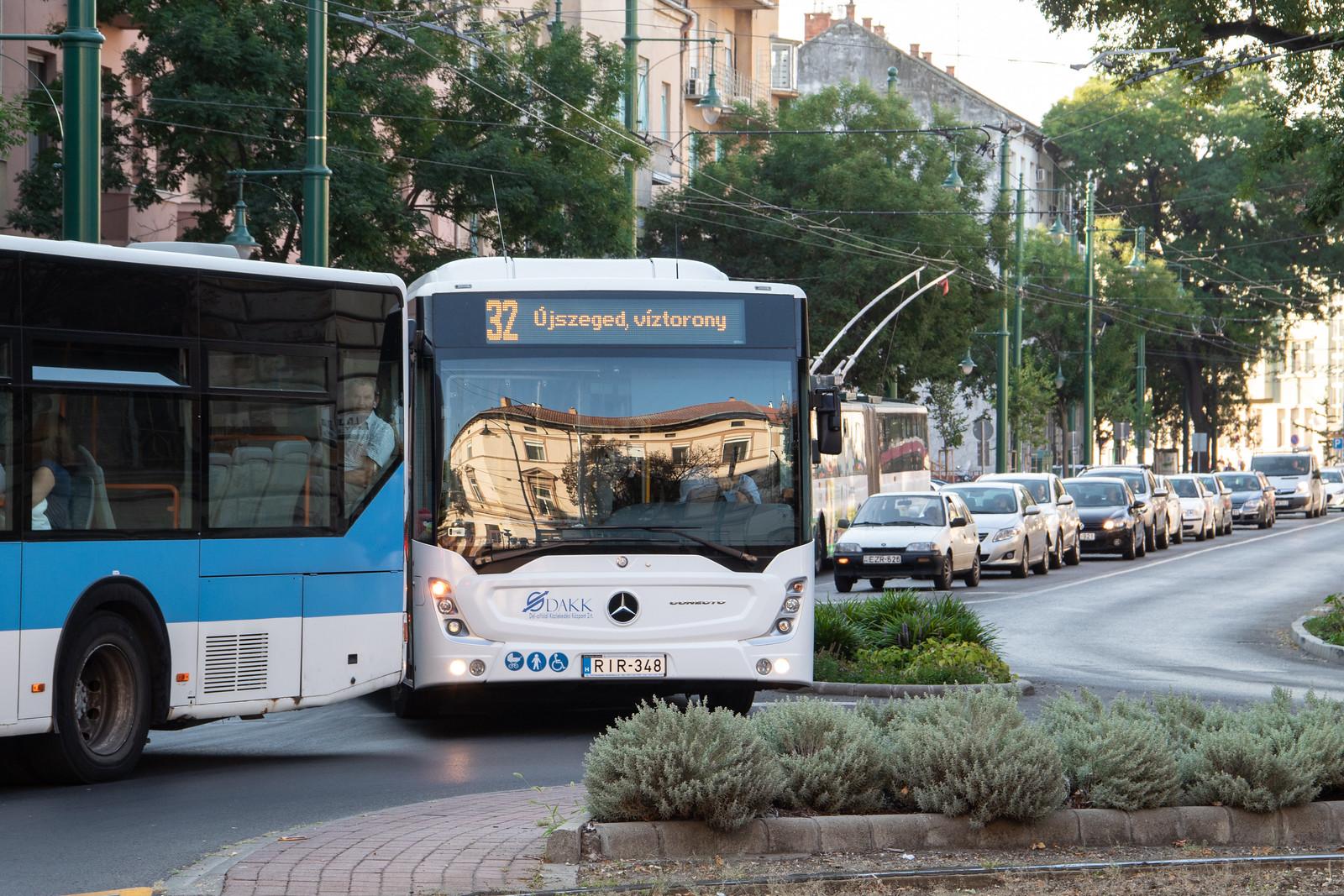 Összevonják a 73-as és 74-es buszokat, nem jár hétvégén az 1-es villamos – megérkezett a járatritkítás