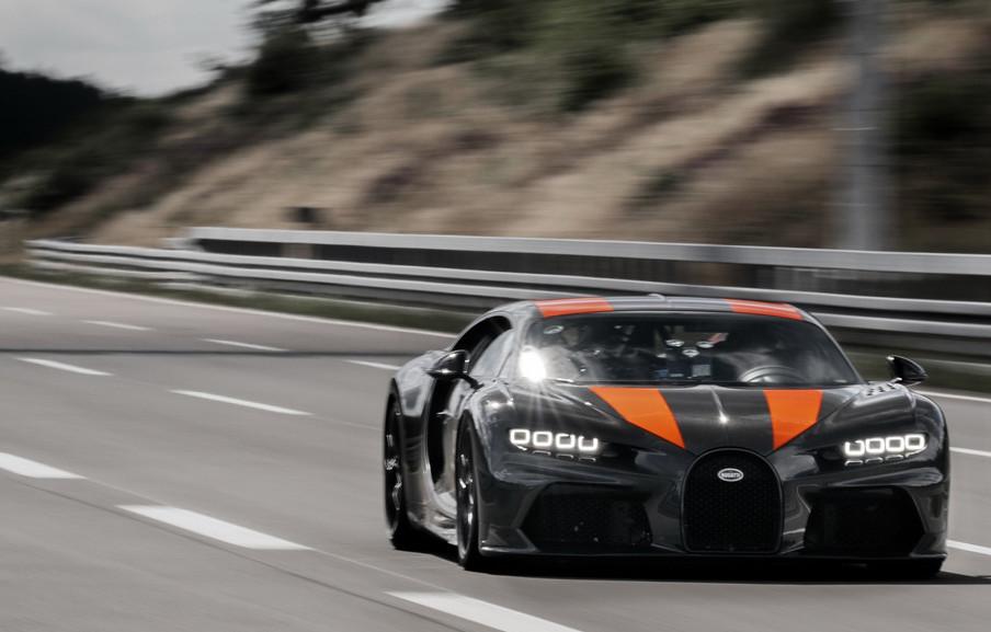 5ebc199f-bugatti-chiron-topspeedrun-02