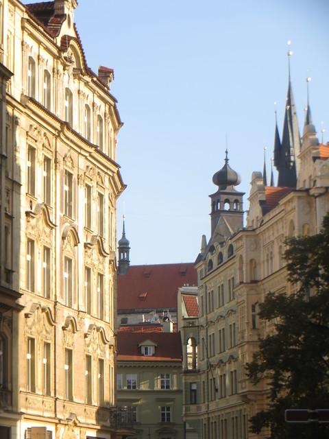 Beautés baroques et Notre Dame de Tyn, Josefov, Stare Mesto, Prague, République tchèque.