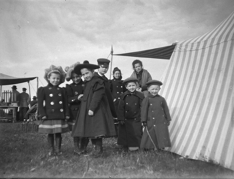 1899. 30 мая. Дети на стрельбах в Химках