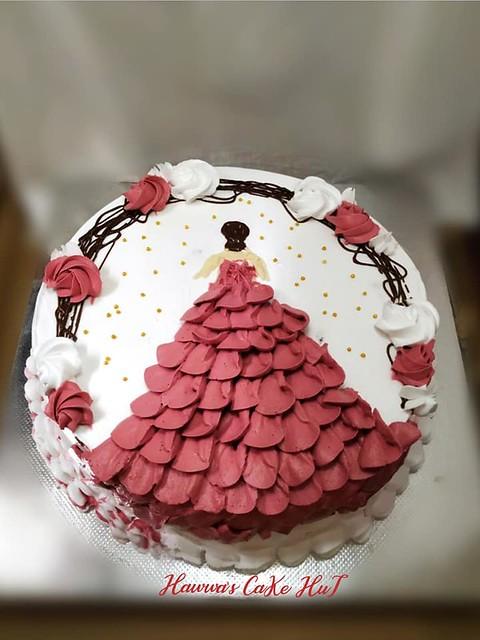 Cake by Hawwa's Cake Hut