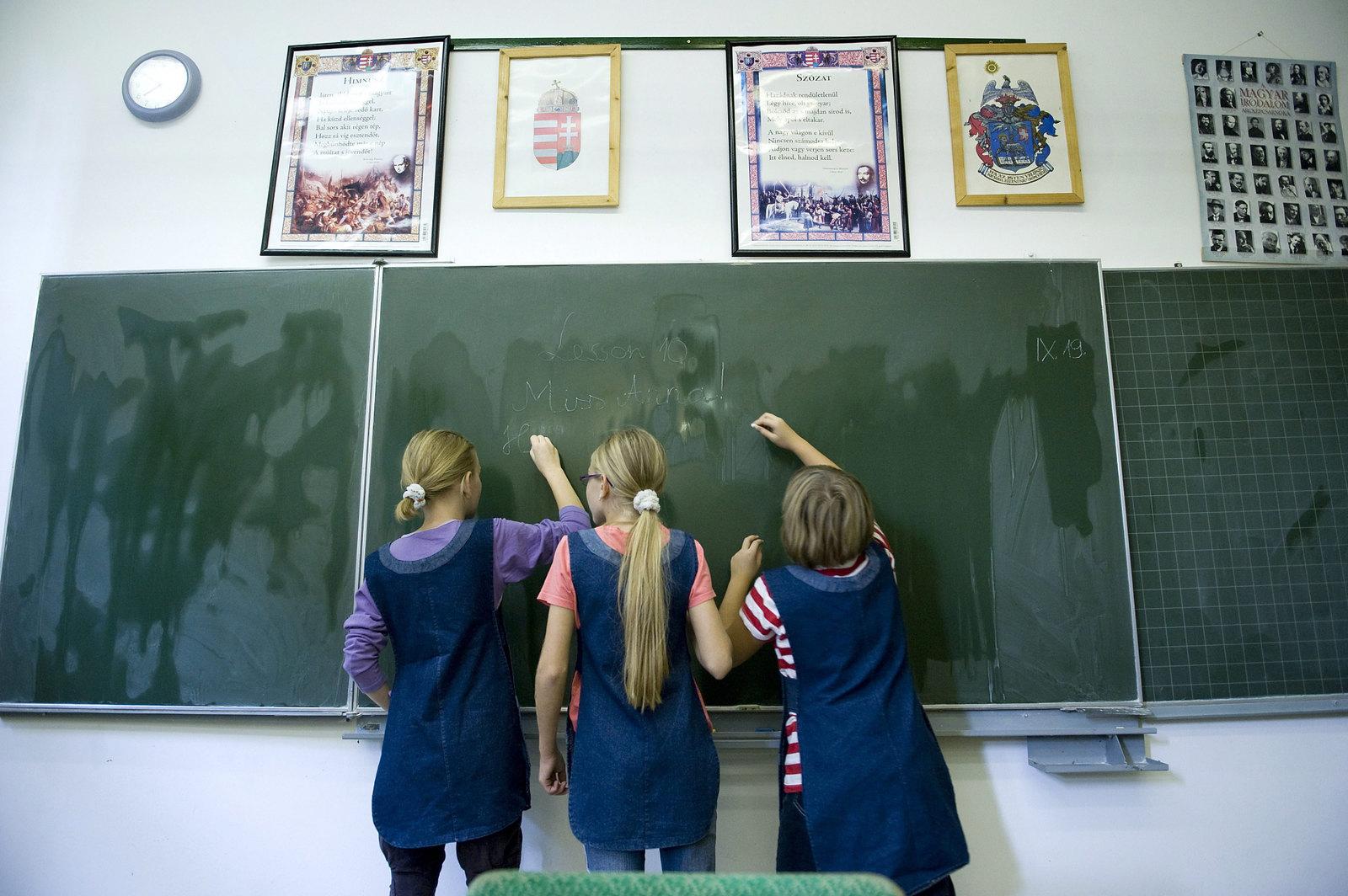 A helyzet tarthatatlan, de miért mástól várják a megoldást a pedagógusok?