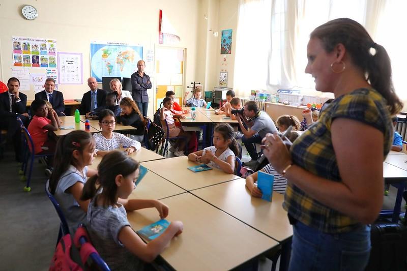 Une rentrée pleinement inclusive: Jean-Michel Blanquer et Sophie Cluzel visitent une école dans le Val-de-Marne