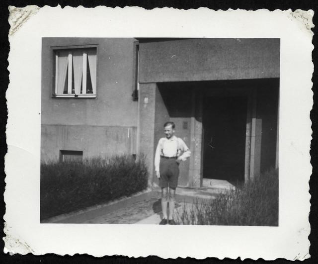 AlbumH121 Jungenporträt, 1930er