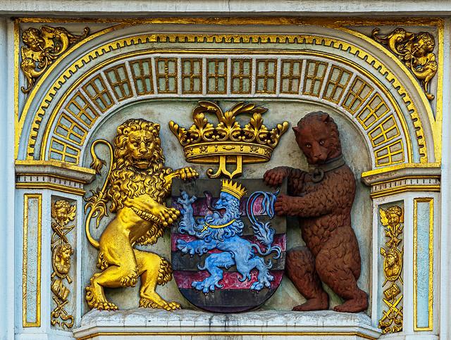 Decorative Lion & Bear Figures ( (Law Court Building - Brugs Square - Bruges)  (Olympus EM1.2 & M.Zuiko 75mm f1.8 Prime) (1 of 1)