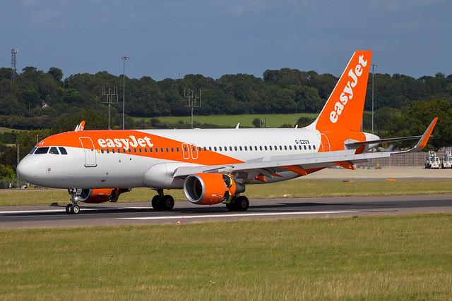 EasyJet - Airbus A320-214/S G-EZGX @ Bristol