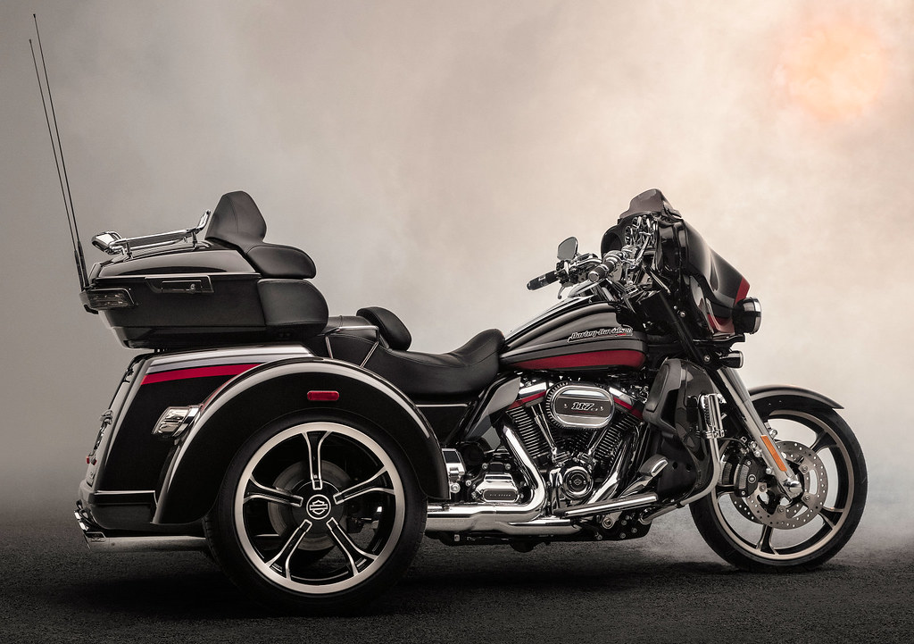 Harley-Davidson CVO 1920 Tri Glide FLHTCUTGSE 2020 ...