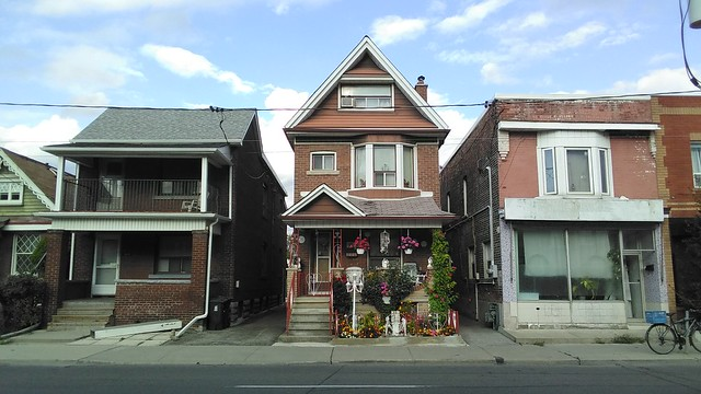 #toronto #ossingtonavenue #dovercourtvillage