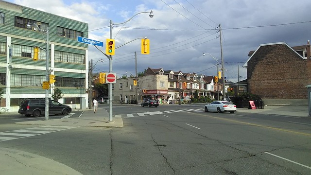 intersection, Dupont at Ossington