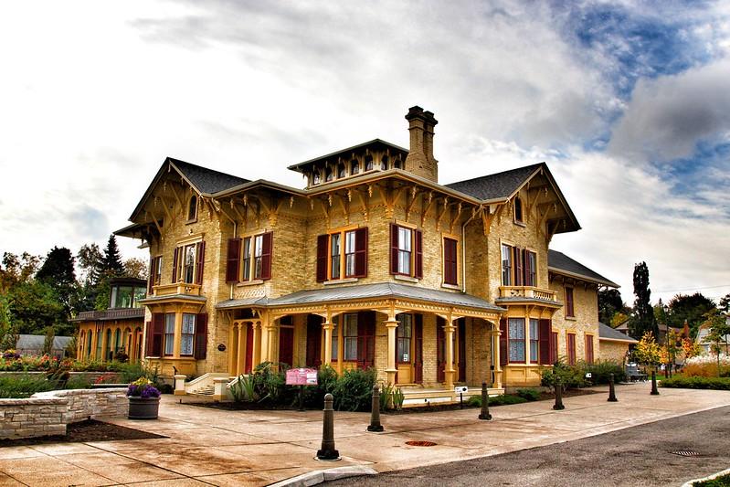 Brampton Ontario - Canada - Alderlea Mansion - Heritage Italianate Architecture