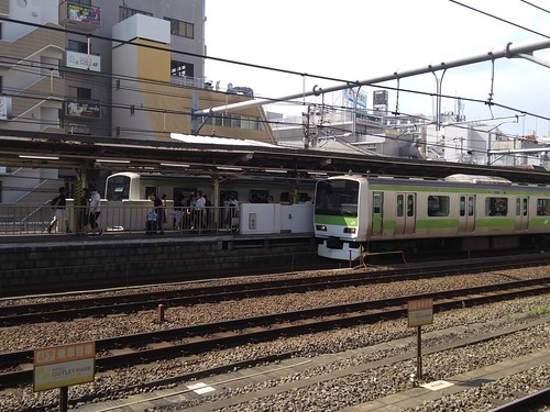 A pair of Yamanote Line E231-0 series units | by railsquid