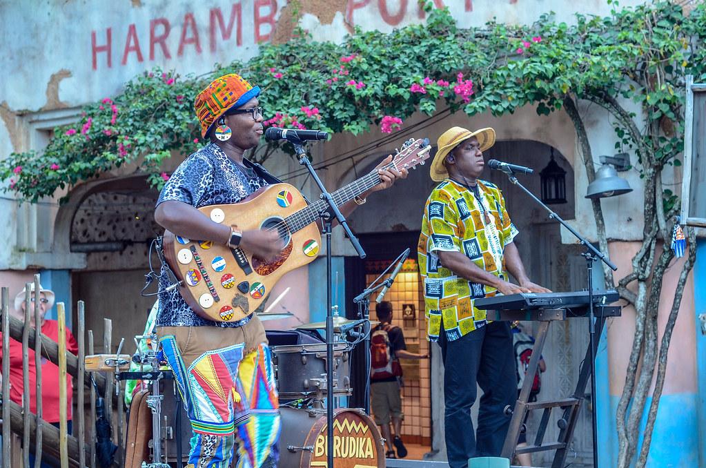 Burudika Harambe AK guitar keyboard