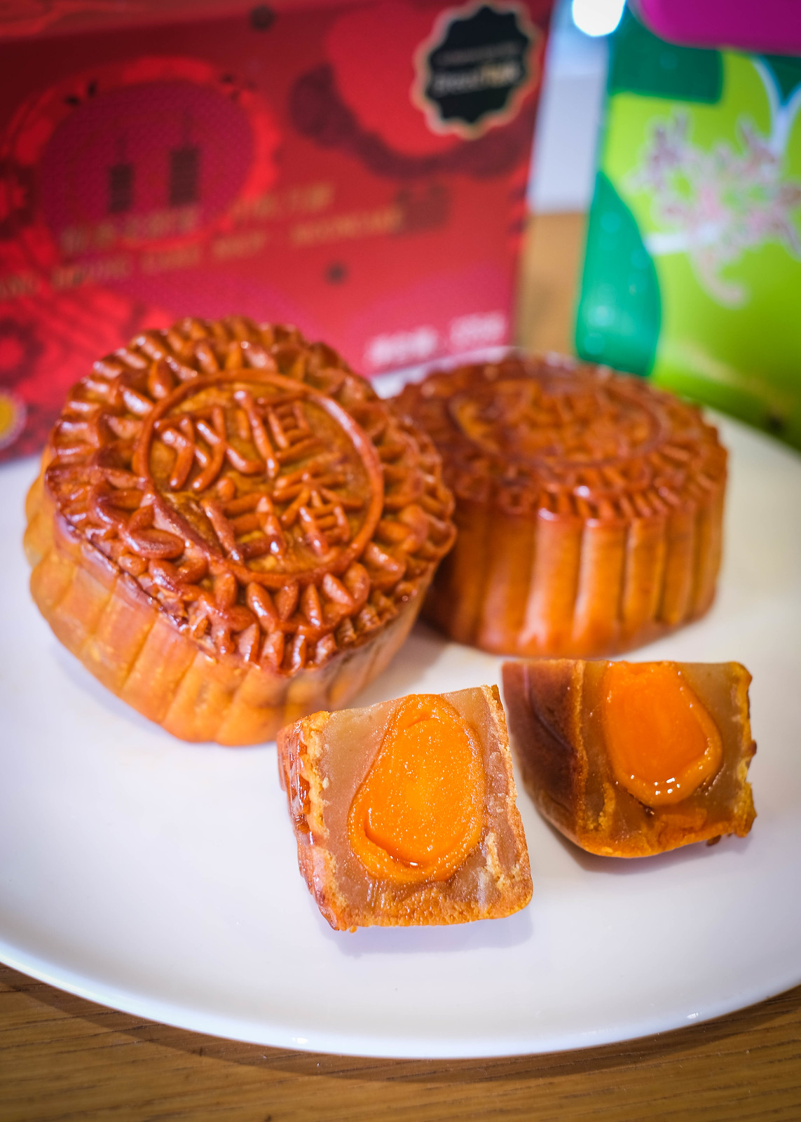Go Over The Moon With All-Time Favourite Mooncake Brands at AMK Hub!