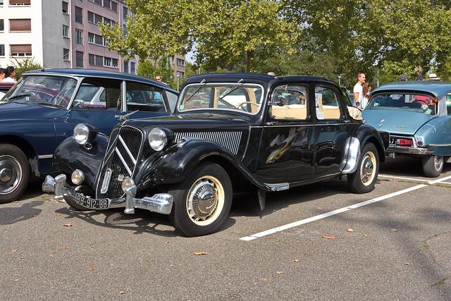 Citroën-Traction Avant découvrable