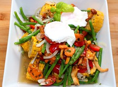 VEGGIE SALAD WITH CHANTERELLES & POACHED EGGS