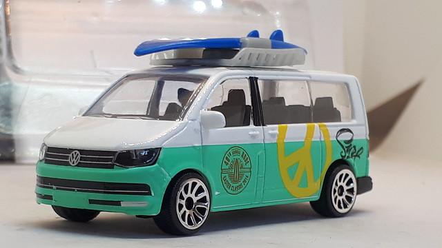 MAJORETTE VW TRANSPORTER T6 NO9 MULTIVAN 48TH ANNUAL ROBE EASTER CLASSICS 2016 1/64