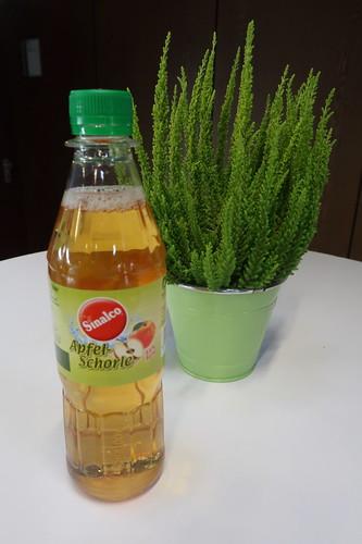 Apfel-Schorle als Getränk bei einer Tagung in Köln