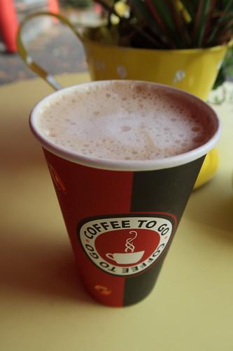 Caffè Latte (vom Kaffeestand vor der Universität zu Köln)