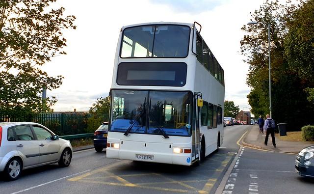 Former Metroline Volvo B7TL Plaxton President LR52BNL in Flitwick