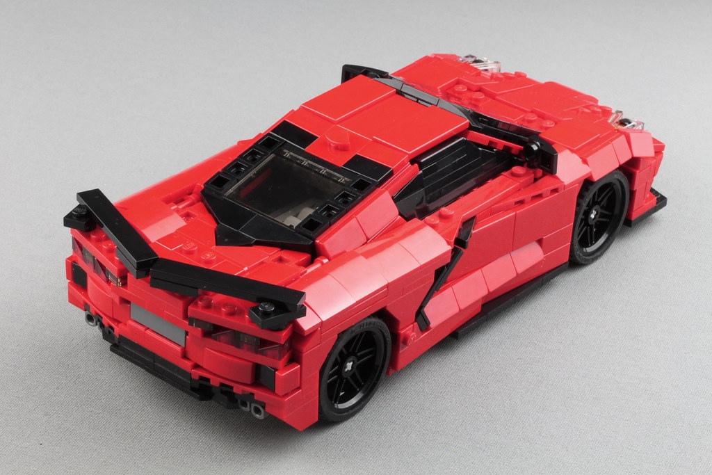 LEGO C8 Corvette - Now with engine
