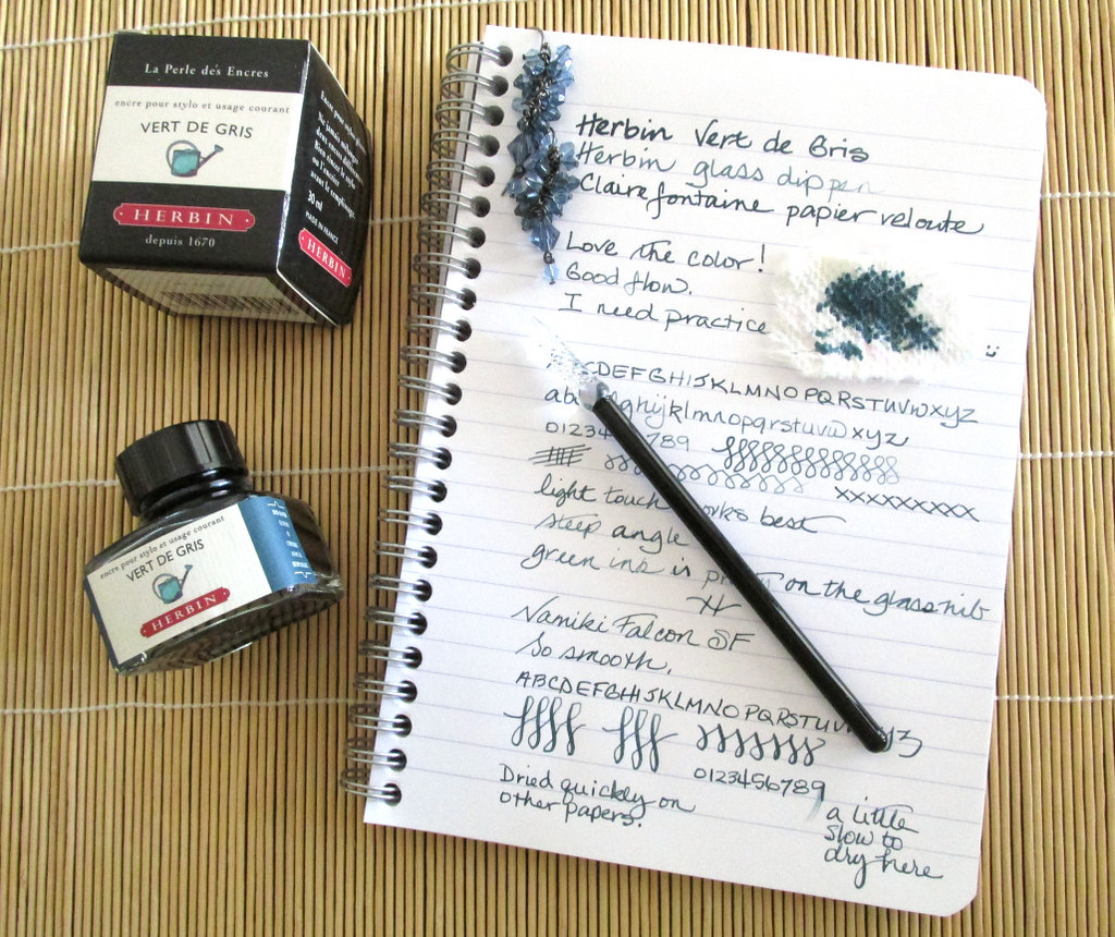 Herbin Vert de Gris bottle and writing sample.